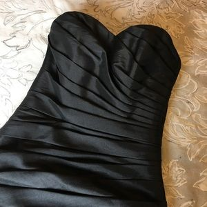 Dresses & Skirts - Black strapless cocktail dress